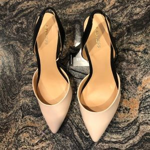 "NWT Express 2"" Nude and Black Closed Toe Shoes"